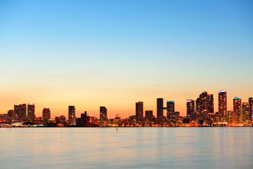 Toronto cityscape shutterstock_126670004