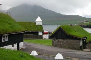 Green roof Kerry 800px-Norðragøta,_Faroe_Islands_(2)