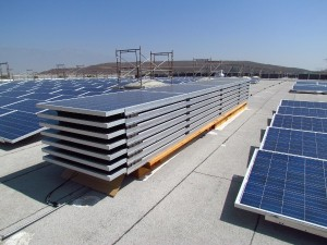 """By combining racking and panels before  shipping, SunLink is able to provide installers  with """"pre-panelized"""" packages. This encourages  faster installation times among fewer crew members."""